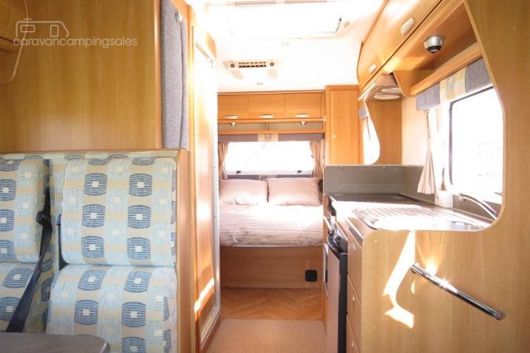 2009 Jayco Conquest - ISLAND BED - AUTO