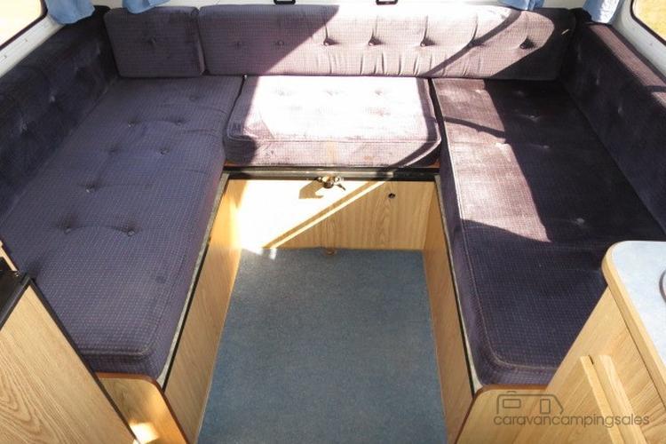 2000 Winnebago 4 Berth  – GREAT VALUE - FORD TRANSIT