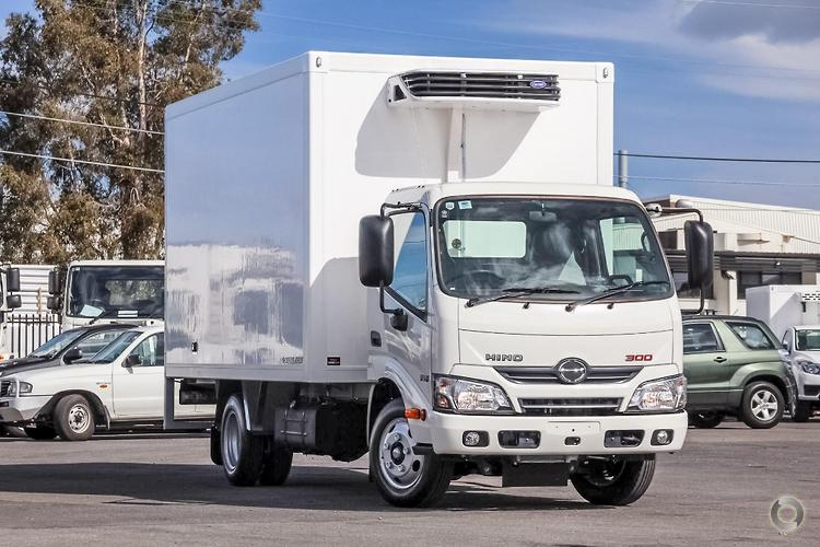 0531aa4925 2017 Hino 616 IFS Scully RSV 2 Ton 3 Pallet + Electric Standby Fridge ·  New  Refrigerated Truck