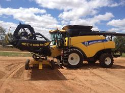 2014 New Holland CR7090 and Honey Bee 4000