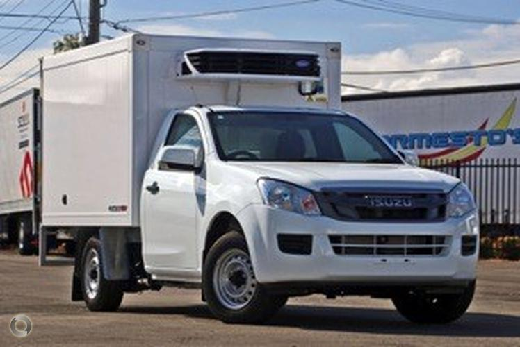 bc461c602a 2018 Isuzu Scully RSV 1 Ton 2 Pallet High Back DMAX Manual Freezer